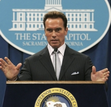 arnold_230x221